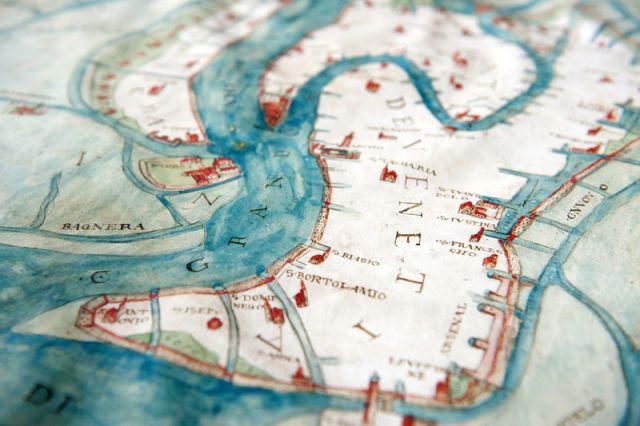 Venedig blickt auf eine reiche Geschichte zurück. Für Lehr- und Forschungszwecke wird nun auch der Quellenreichtum digital ausgeschöpft. Analoge Karten sind damit bald passé.